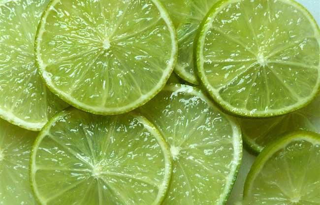 青柠檬和黄柠檬的区别